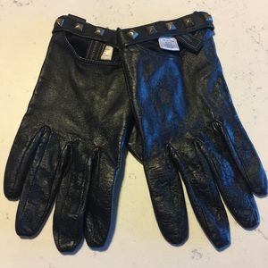 BCBG Leather Gloves with Gold Studs XS/S